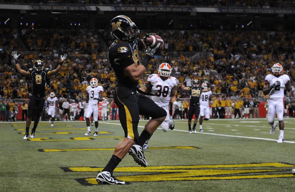 Missouri tight end Michael Egnew catches a wide open touchdown during a game on Saturday, Sept. 4, 2010, at the Edward Jones Dome in St. Louis.