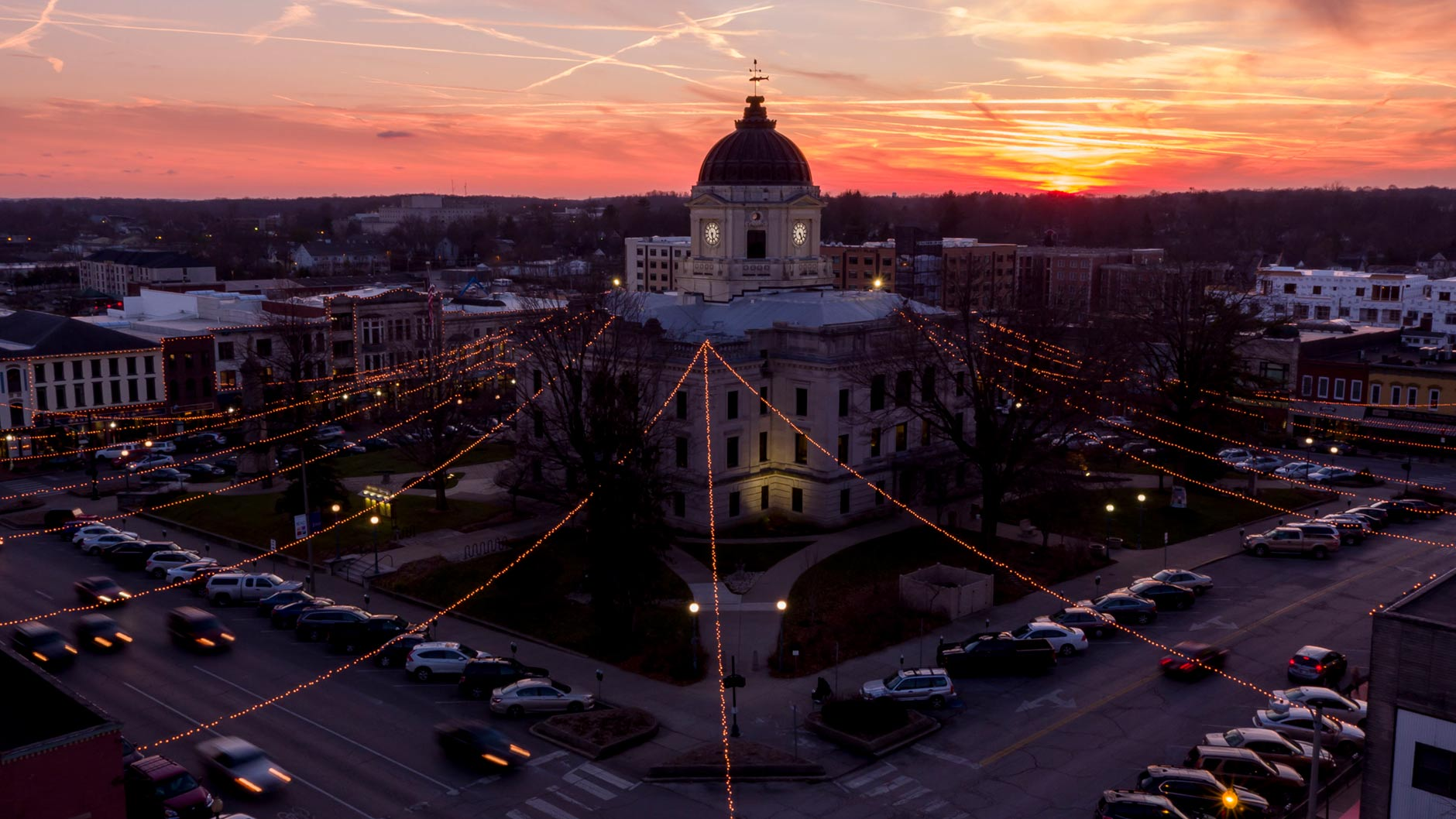Holiday lights illuminate the courthouse square in downtown Bloomington on the day of the winter solstice on Thursday, Dec. 21, 2017. (James Brosher/Indiana University)