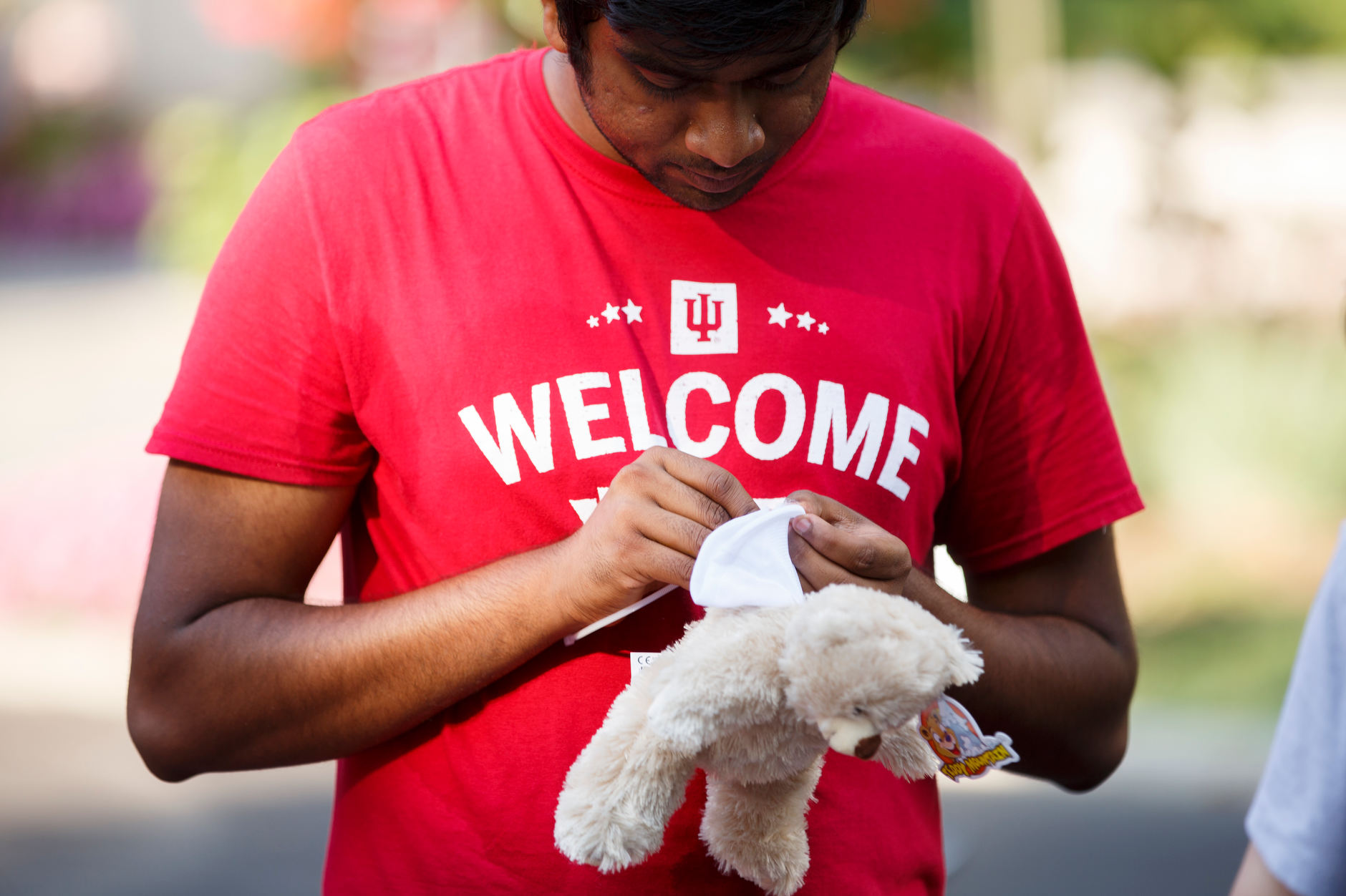 A student stuffs a teddy bear during Bikes and Burgers at IU Bloomington on Monday, Aug. 19, 2019. (James Brosher/Indiana University)