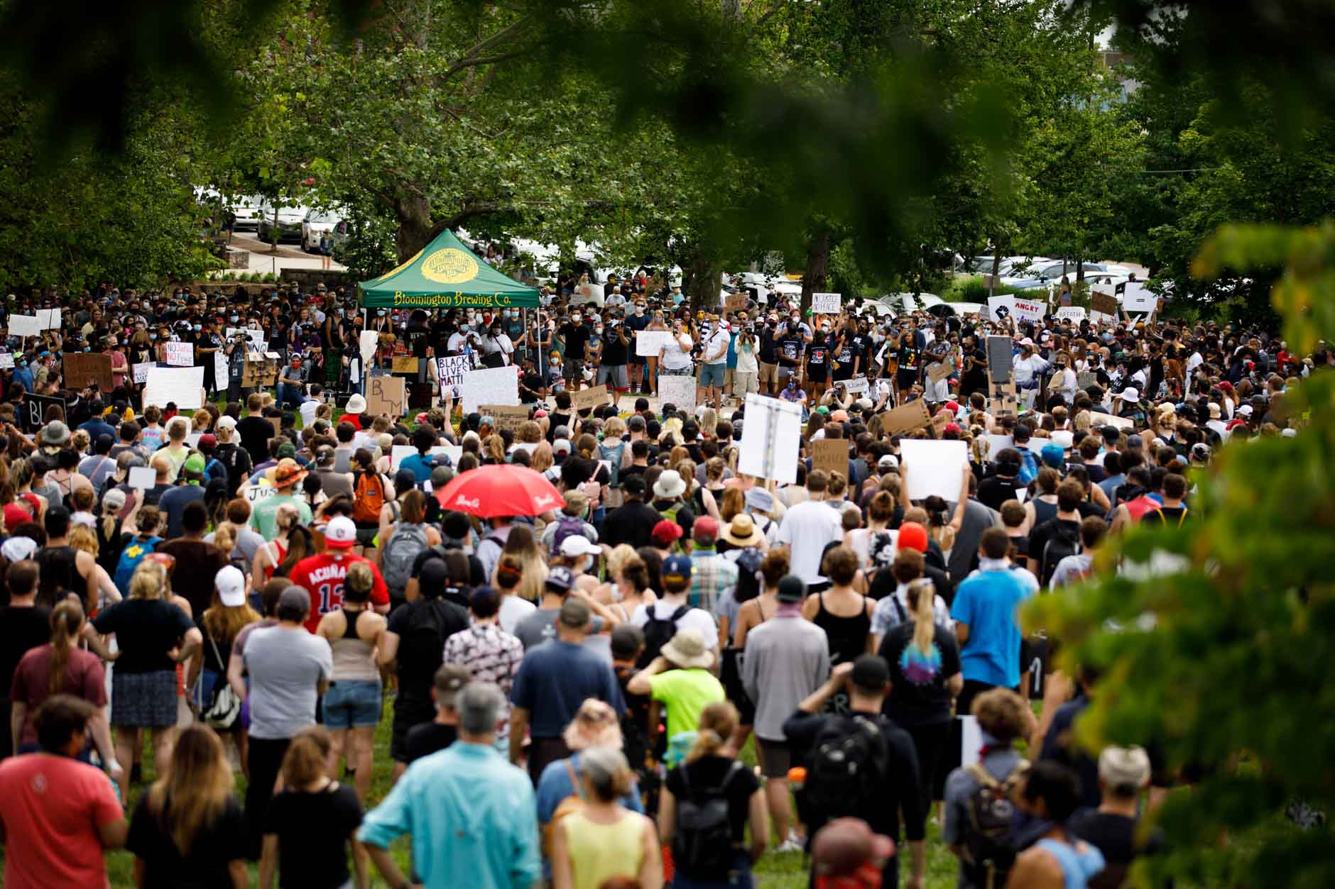 Hundreds gather to peacefully protest police brutality in Dunn Meadow at Indiana University Bloomington on Friday, June 5, 2020. (James Brosher/Indiana University)