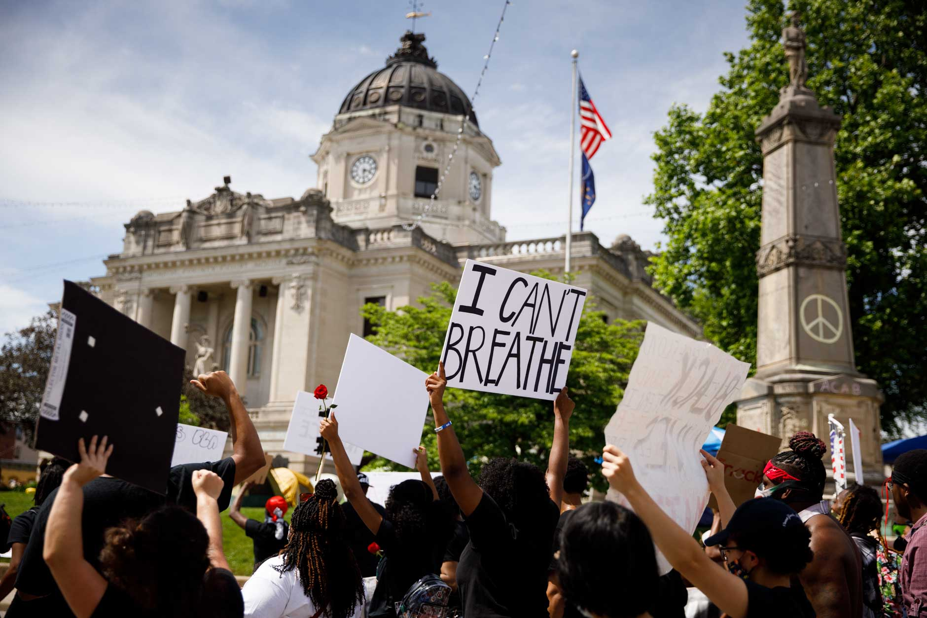 Hundreds march peacefully against police brutality around the Monroe County Courthouse square in Bloomington on Friday, June 5, 2020. (James Brosher/Indiana University)